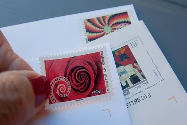 stamps 1712530 640